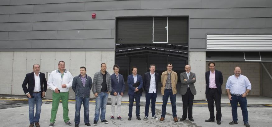 13:00Laredo El consejero de Obras Públicas y Vivienda, José María Mazón, inaugura la nave de almacenamiento construida en el puerto de Laredo. 10 DE JUNIO DE 2016
