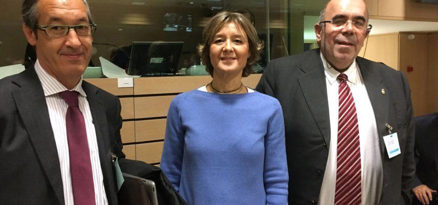 Bruselas - Jesús Oria y Miguel Ángel Cuevas con Isabel García Tejerina, Ministra de de Agricultura y Pesca, Alimentación y Medio Ambiente 14 NOV 16